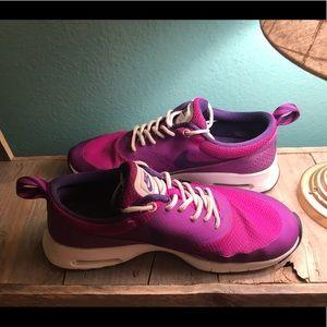 👟Brilliant Raspberry-Purple Nike running shoes💜